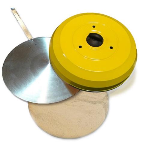 Kit Pizza Para Churrasqueira Com Pá de Pizza Alumínio, Pedra Refratária 35cm e Abafador Amarelo