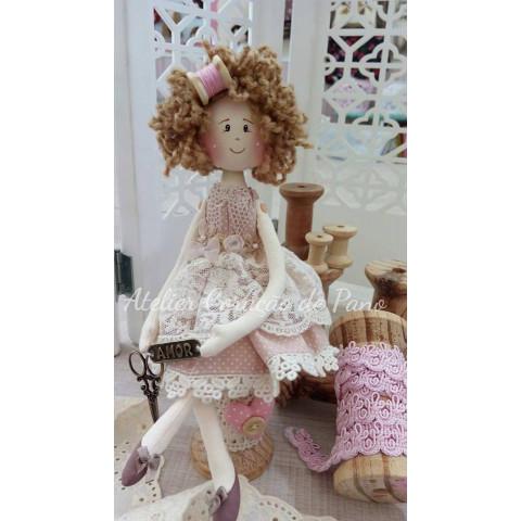Projeto - MIni Boneca Costureira (correio)