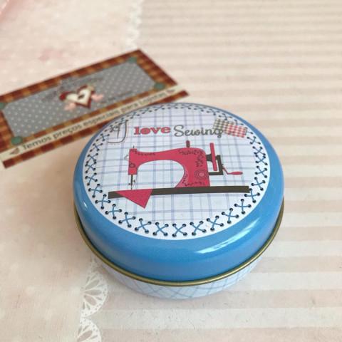 "LATA DE FERRO REDONDA VIII - ""I love sewing"" MAQUINA PINK"