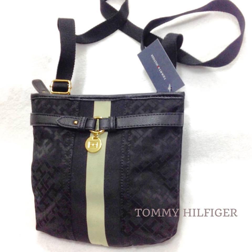 6752e320d Belíssima Bolsa TOMMY HILFIGER Transversal - R$ 169,90 - Nome da Loja  Virtual
