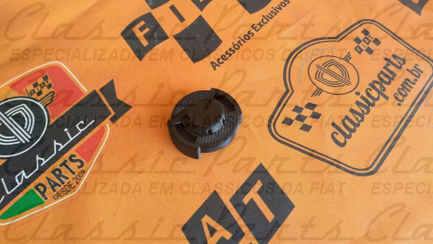 (4321204) TAMPA RESERVATORIO RADIADOR / PARTIDA FRIO FAMILIA FIAT 147