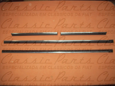 JOGO FRISO LATERAL LONGO PRETO/ALUMINIO FAMILIA FIAT 147