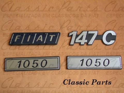 "KIT (4 PÇS) EMBLEMAS LATERAL/TRASEIRO ""FIAT"" ""147 C"" E ""1050"""