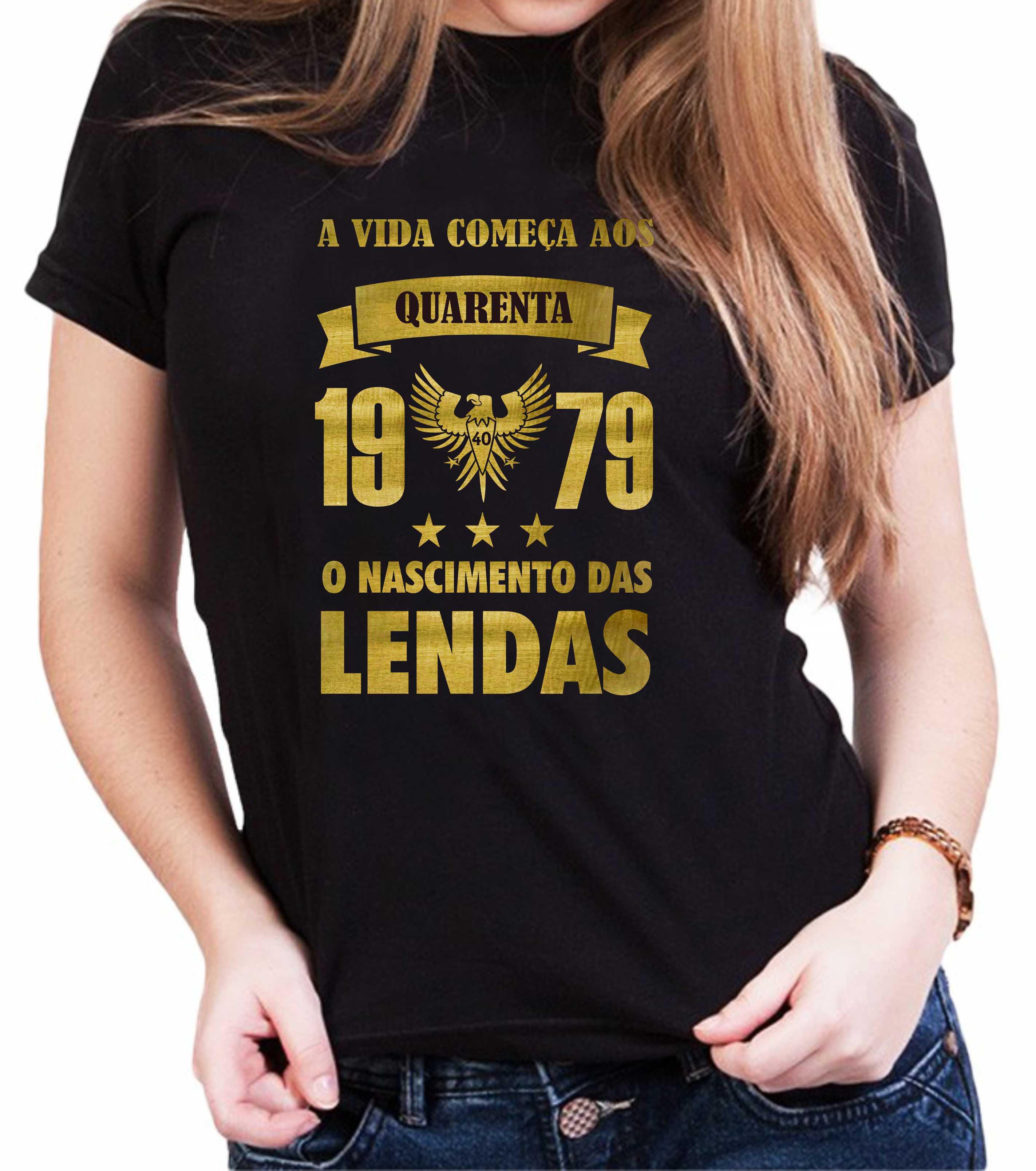 Camiseta Feminina Preta O Nascimento das Lendas Dourada - Escolha o Ano