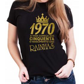 Camiseta Feminina Preta O Nascimento das Rainhas Dourada - Escolha o ANO
