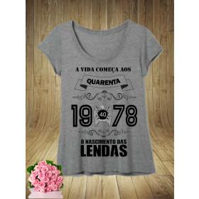 T-Shirts Feminina Cinza Mescla O Nascimento das Lendas - ESCOLHA O ANO