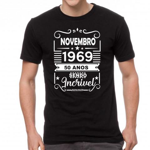 Camiseta Personalizada Preta Cinquenta Anos Sendo Incrível