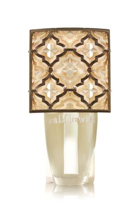 Aparelho Elétrico Aromatizador de Ambiente Bath & Body Works Wallflowers Plug Layered Mini Shield Nightlight (Com Luz)