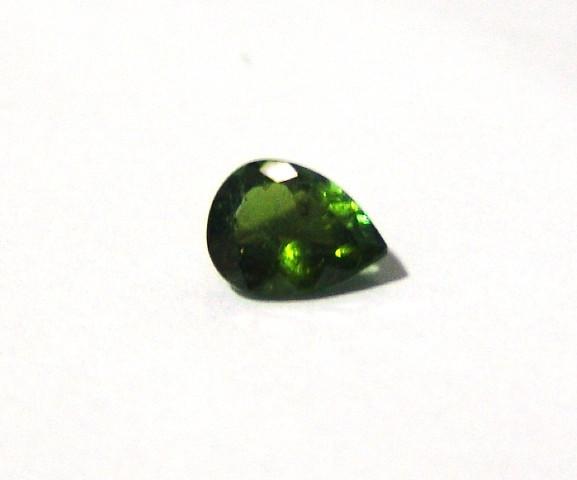Turmalina Verde - Gota Facetada 10x7.70 mm