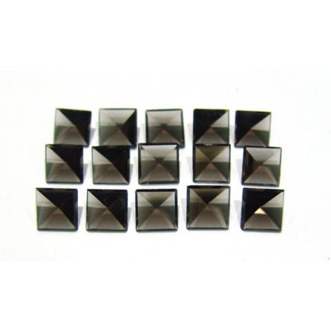 Quartzo Fumê - Carrê Facetado Piramidal 8x8x5 mm