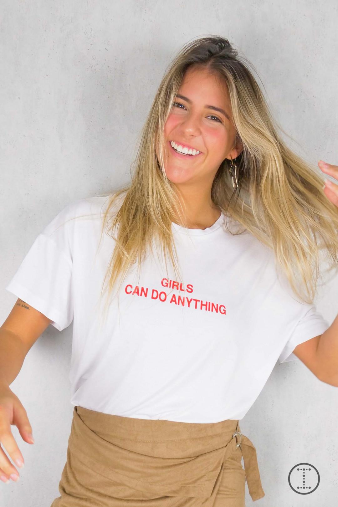 CAMISETA GIRLS CAN DO ANYTHING