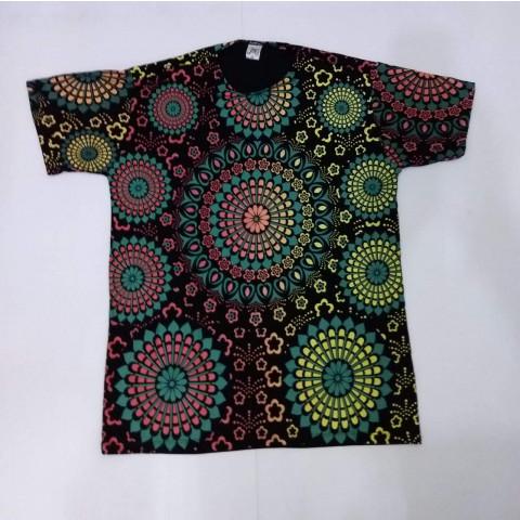 JA034 - Camiseta Preta (Mandalas Coloridas)
