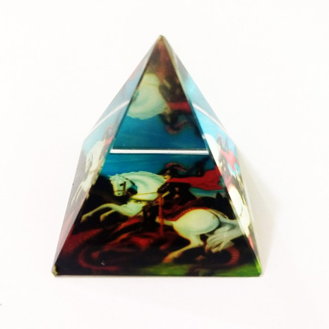 DEC117-809 - Pirâmide de Vidro Cristalizado c/ São Jorge (6,5cm)