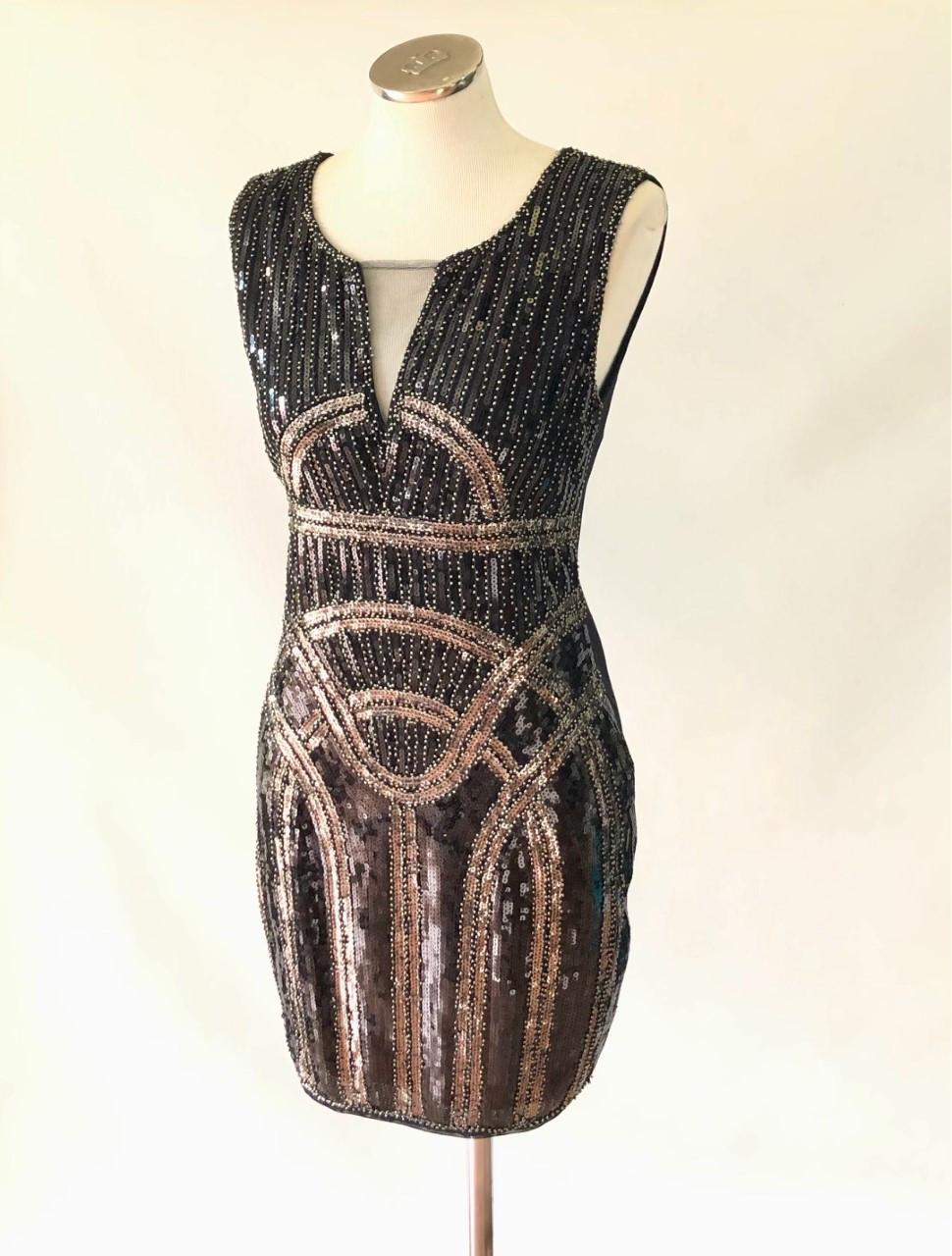 Vestido Bamboo preto bordado T: M ( Produto Novo)