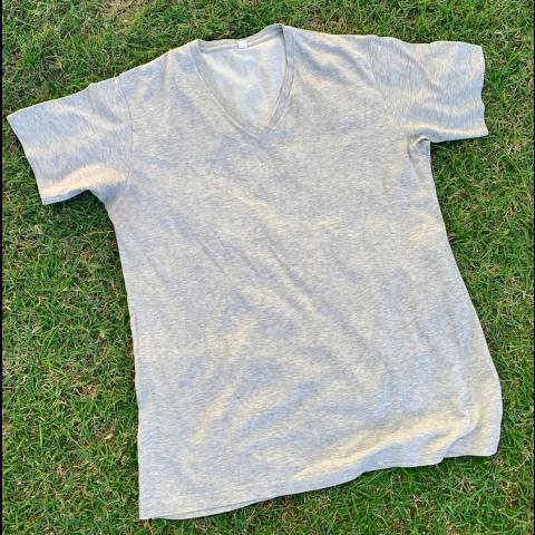Camiseta UNIQLO, G Doação Boninho