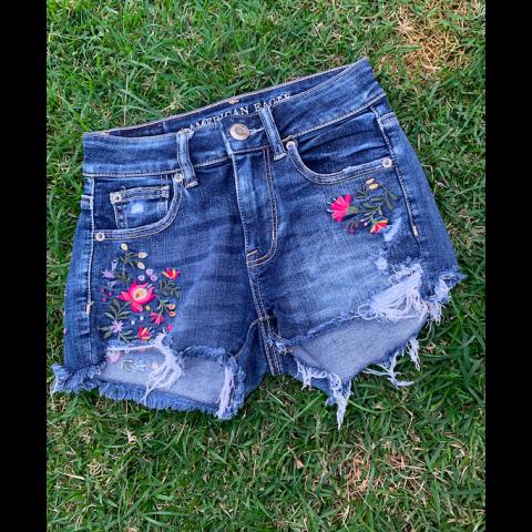 Short Jeans American Eagle, 00( veste 34 Brasil)