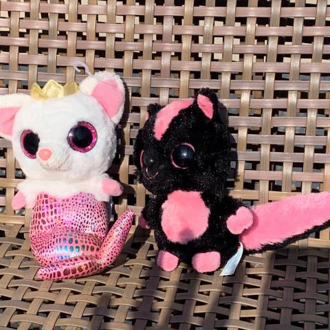 """2 bichinhos de pelúcia   """" zoiúdos"""" sereia e esquilo"""