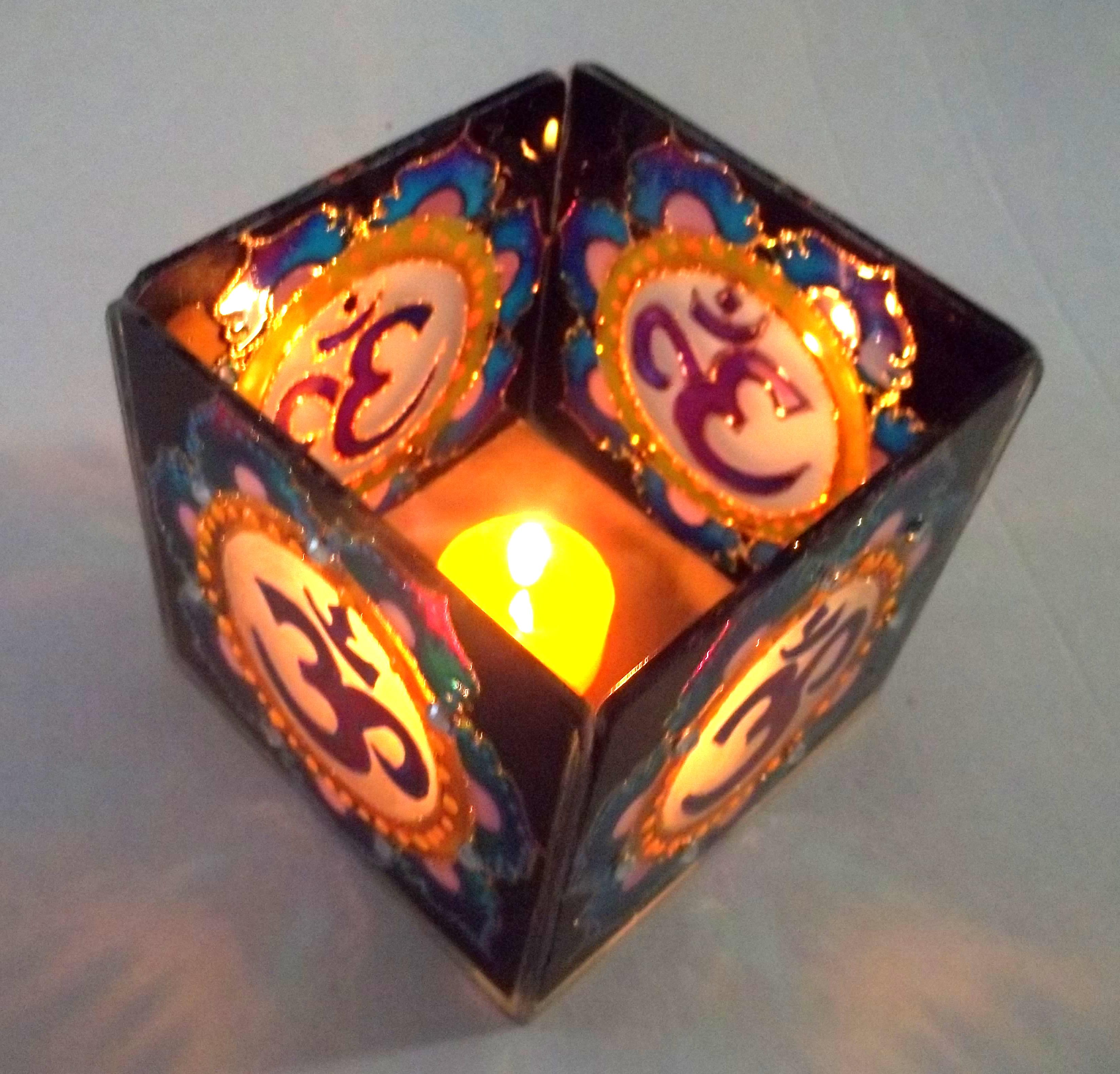 690- Luminária Vela Om Lilás - (10x10x10)