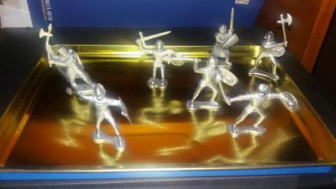 Miniaturas de guerreiros medievais