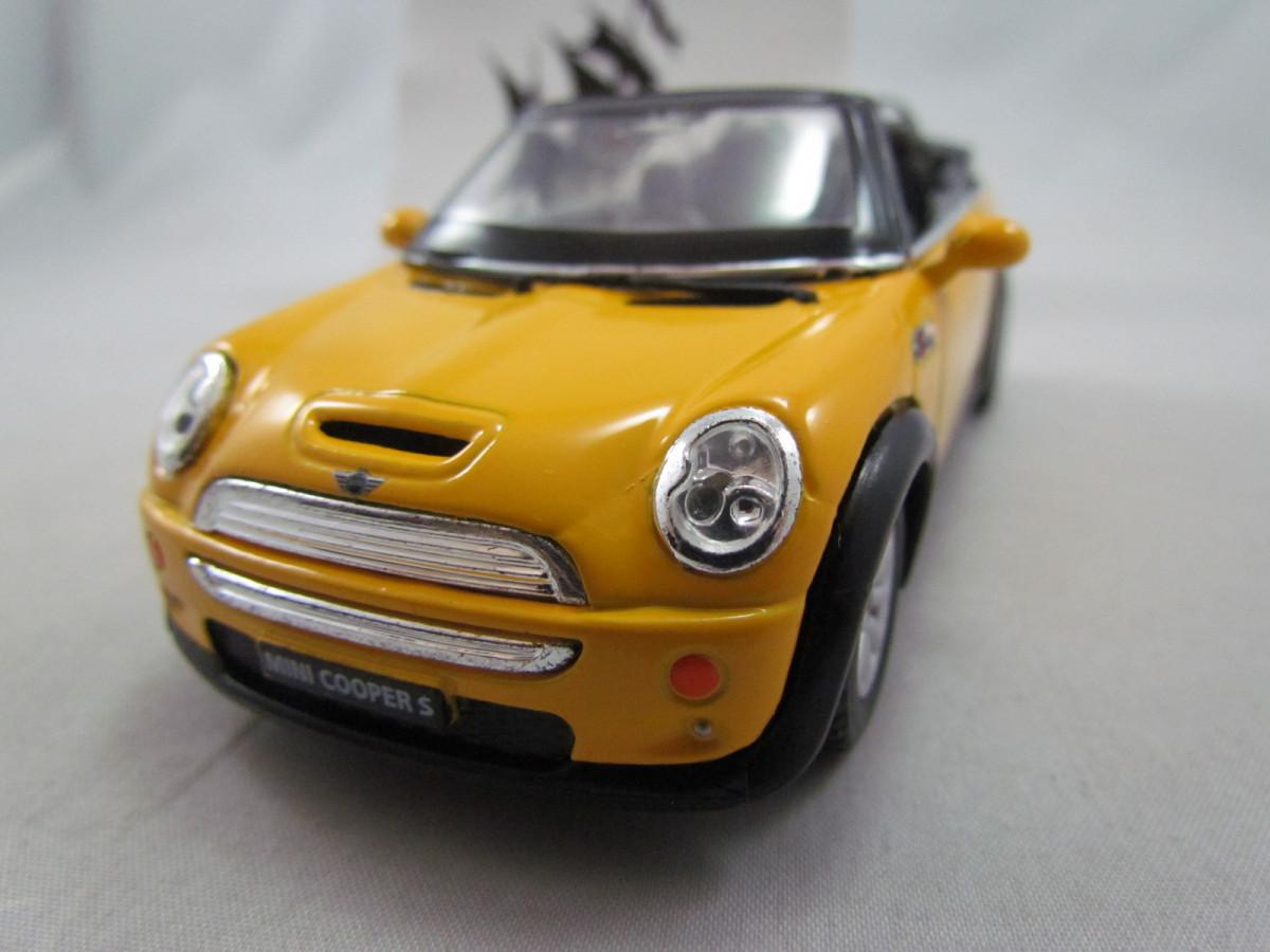 Mini Cooper S Convertible Amarelo Kinsmart 1 28 Nau Pirata