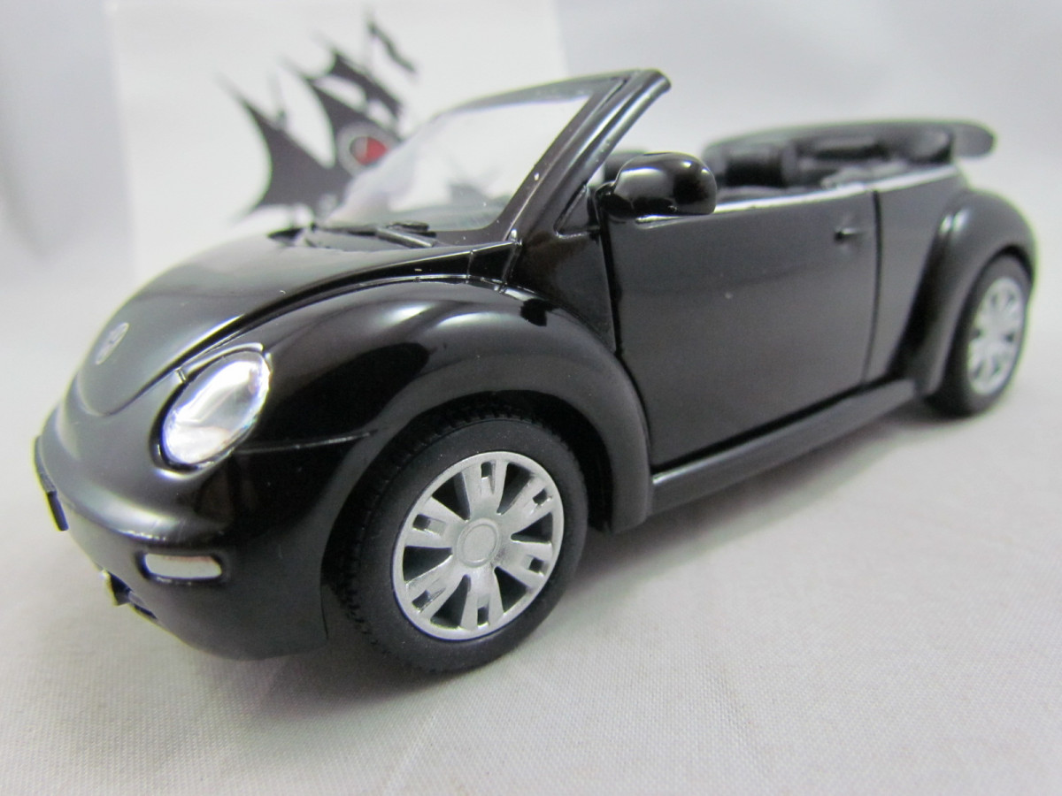 Vw New Beetle Convertible Preto Kinsmart 1 32 Nau Pirata