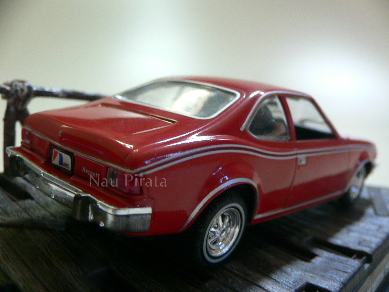 AMC Hornet The Man With Golden Gun  - 007 James Bond 1:43 IXO