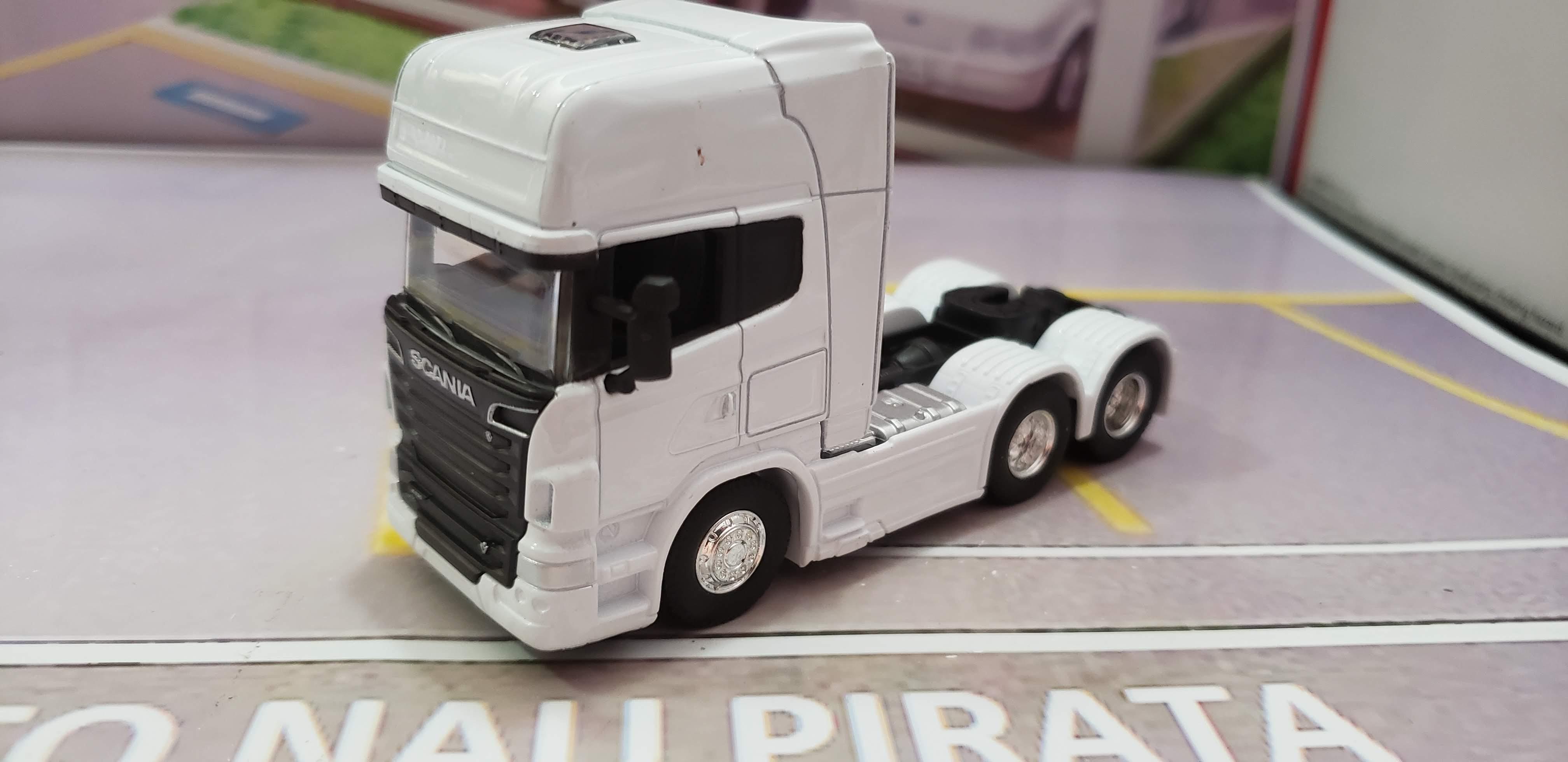 Caminhão Scania V8 R730 Trucado Branco 1:64 Welly