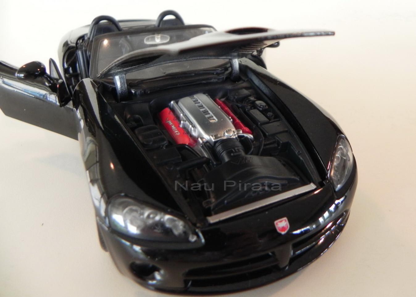 Dodge Viper SRT-10 2003 Preto Maisto 1:24