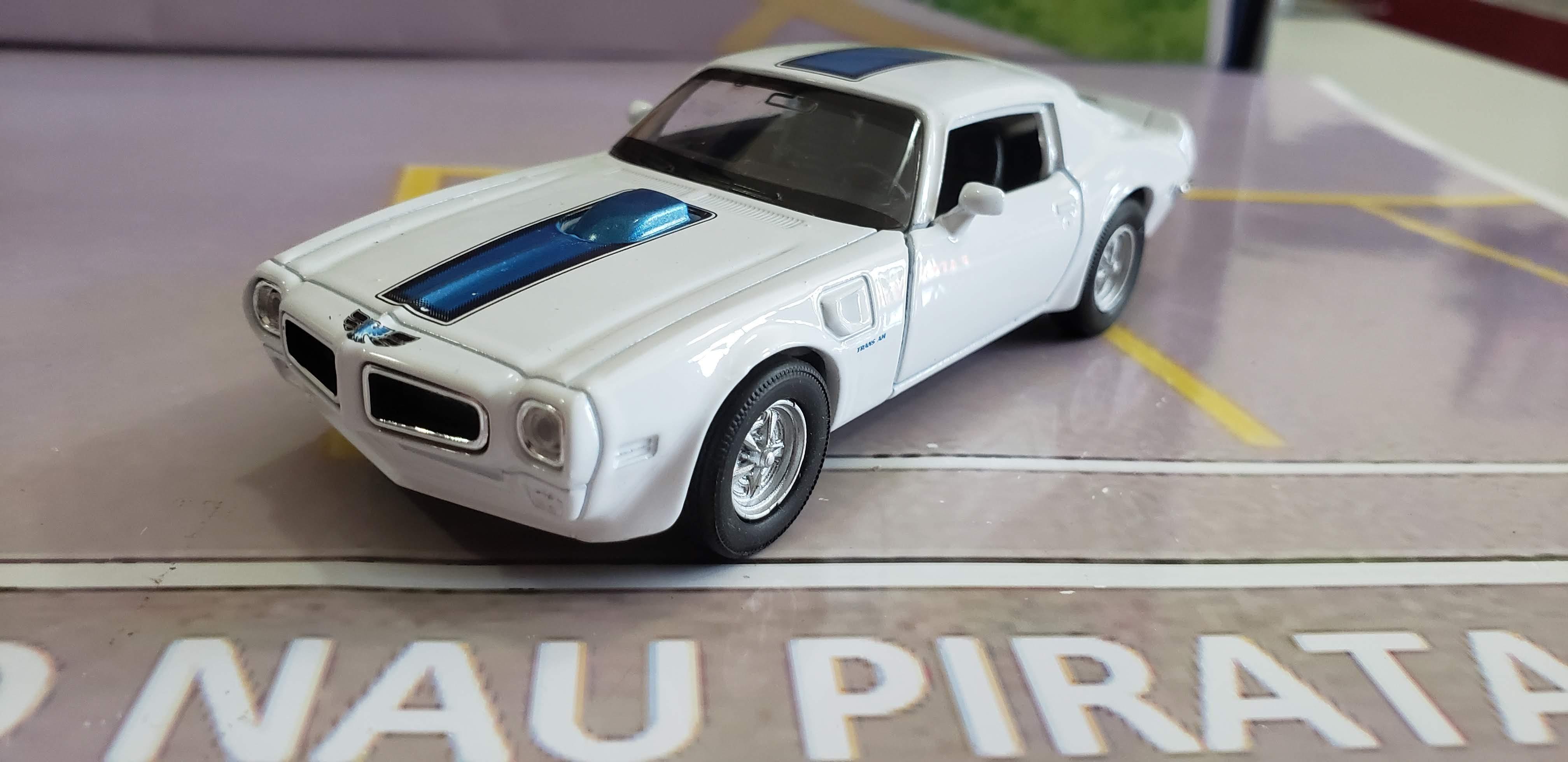 Pontiac Firebird Trans AM 1972 Branco Welly 1:43