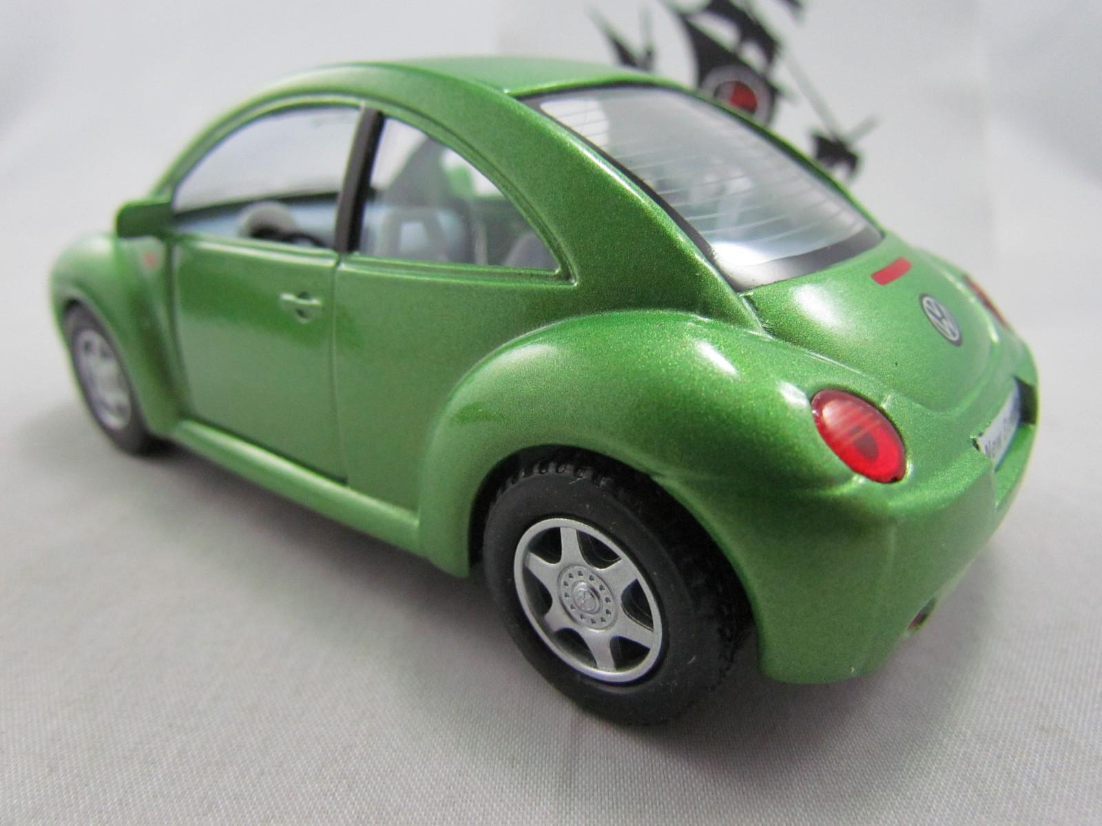 VW New Beetle Verde Kinsmart 1:32