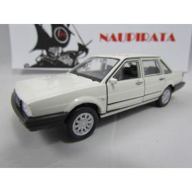 VW Santana 1989 Branco/Areia 1.8 1:37 Welly