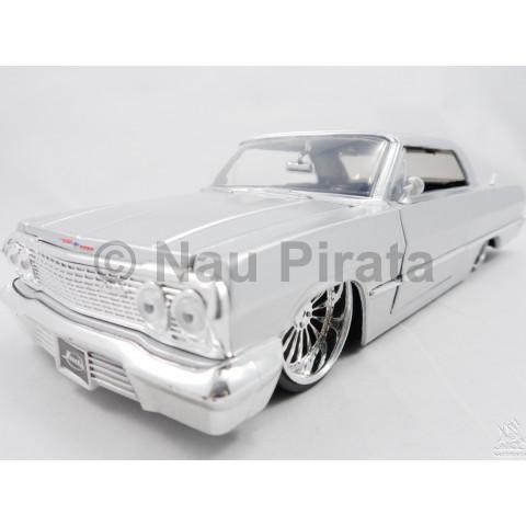 Chevrolet Impala 1963 Prata Bigtime Kustoms Jada 1:24