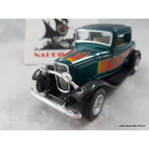 Ford 3-Window Coupé 1932 Verde com Chamas 1:32 Kinsmart
