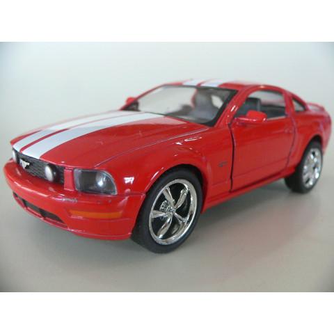 Ford Mustang GT 2006 Vermelho Kinsmart 1:38