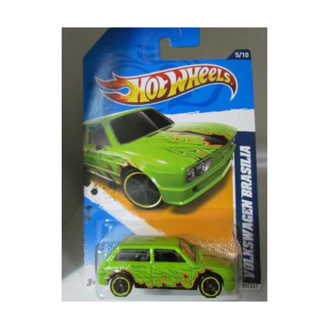 Hot Wheels Heat Fleet 12 - Volkswagen Brasília verde com chamas  - 1:64