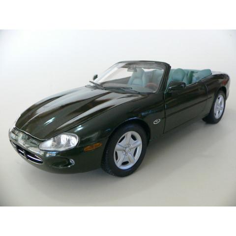Jaguar XK8 1996 Verde Maisto 1:18