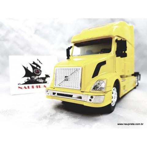 Caminhão Volvo Longhauler Amarelo 1:32 NewRay