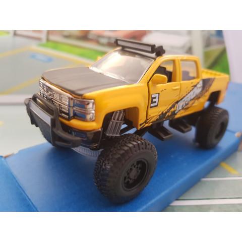 Chevrolet Silverado 2014 1/50 4x4 Rebels Maisto