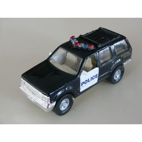 Ford Explorer Polícia Maisto 1:42