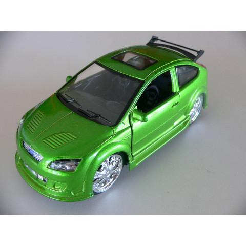 Ford Focus Tuning Verde Saico 1:32