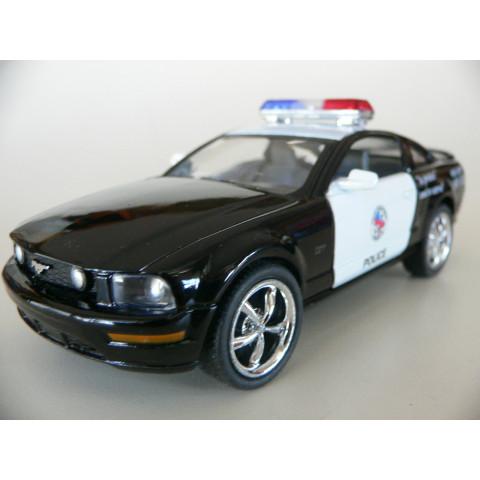 Ford Mustang GT 2006 Polícia Kinsmart 1:38