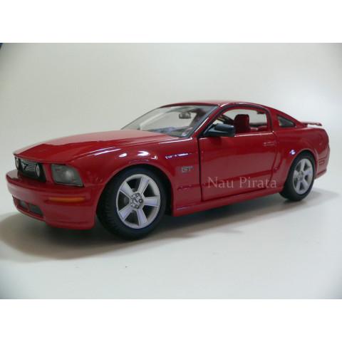 Ford Mustang GT 2006 Vermelho Maisto 1:24