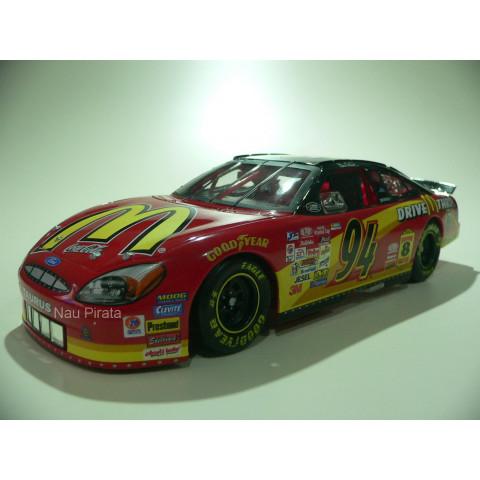 Ford Taurus Nascar 2000  #94 Action McDonald's Bill Elliott 1:24 Edição Limitada