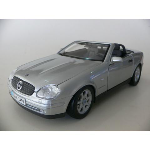 Mercedes-Benz SLK 230 Prata Maisto 1:18