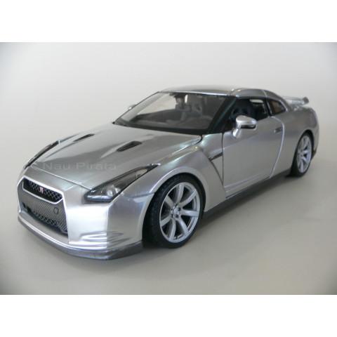 Nissan GT-R 2009 Prata Maisto 1:24