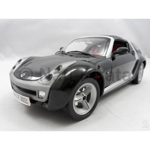 Smart Roadster Coupe Preto Bburago 1:24