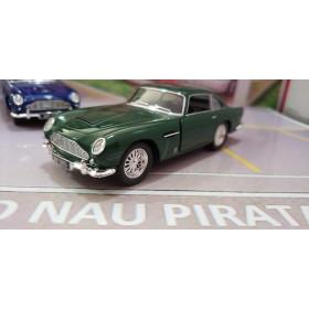 Aston Martin DB5 1963 Verde Kisnmart 1:38