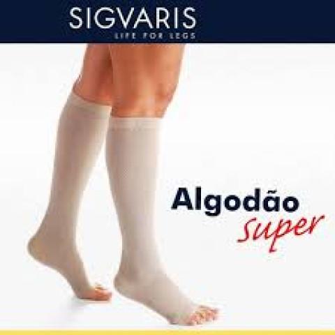 Meia Sigvaris Algodão Super cor bege 20/30mmHg-panturrilha-pé aberto