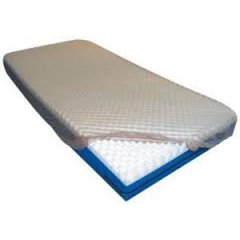 Protetor para colchão PVC siliconizado com elástico casal na cor bege Senior Care