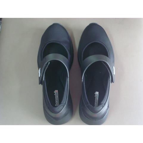 Sapato preto de velcro Boa Onda(nº33 ao 39)